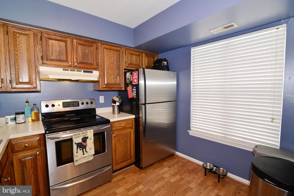Updated appliances! - 7874 WAVERLEY MILL CT, GAINESVILLE