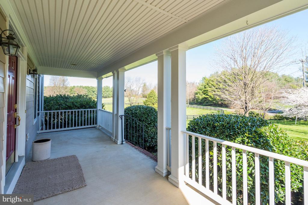 - 37971 N FORK RD, PURCELLVILLE