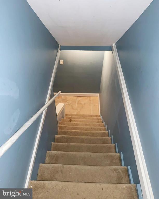 Basement stairs - 5009 37TH AVE, HYATTSVILLE