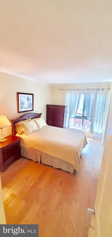Spacious bedroom with walk-in closet - 777 7TH ST NW #518, WASHINGTON