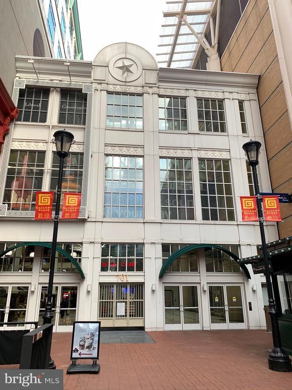 Neighborhood / Gallery Place Mall entrance - 777 7TH ST NW #518, WASHINGTON