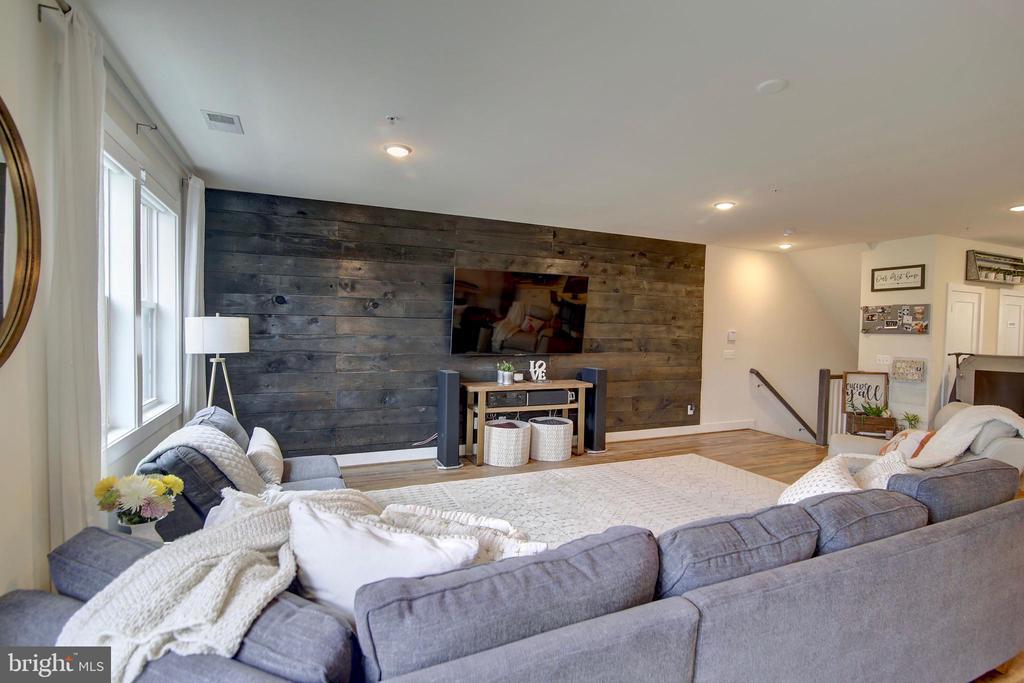 Great room - so much space! - 20539 MILBRIDGE TER, ASHBURN