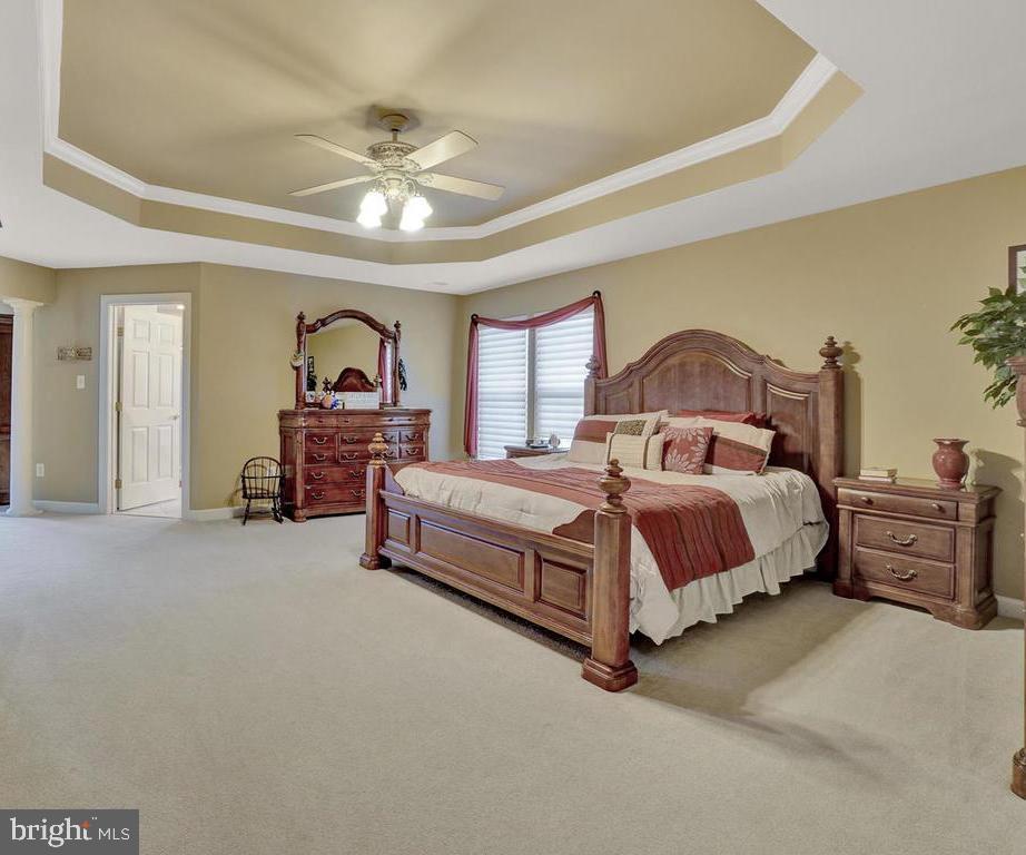Master Suite w/ Sitting Room &  Walk-In Closet - 11206 ANGUS WAY, WOODSBORO