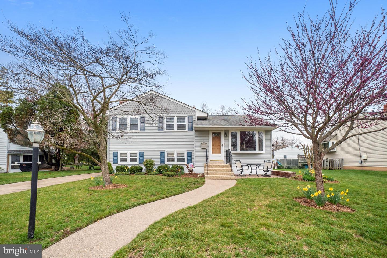 Single Family Homes для того Продажа на Address Restricted Barrington, Нью-Джерси 08007 Соединенные Штаты