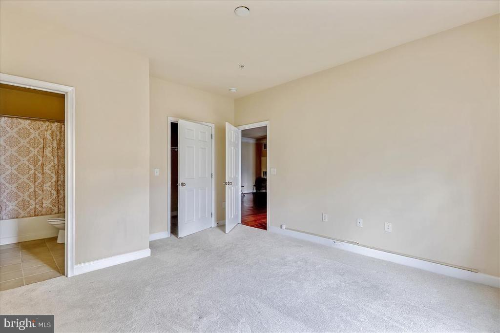Another View - 501 HUNGERFORD DR #157, ROCKVILLE