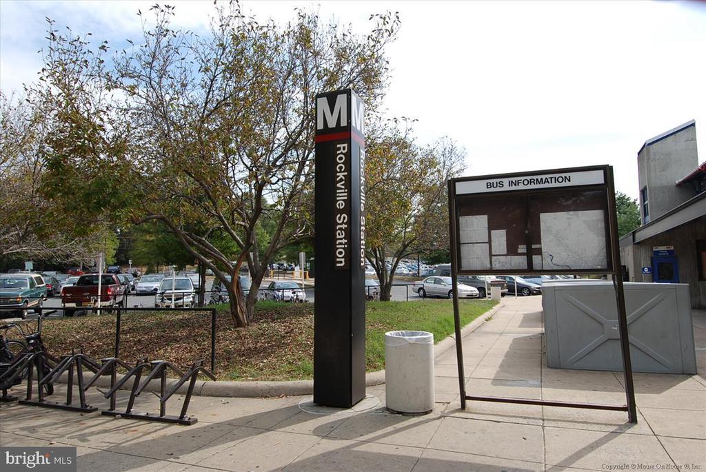 METRO - 3 blocks away ! - 501 HUNGERFORD DR #157, ROCKVILLE