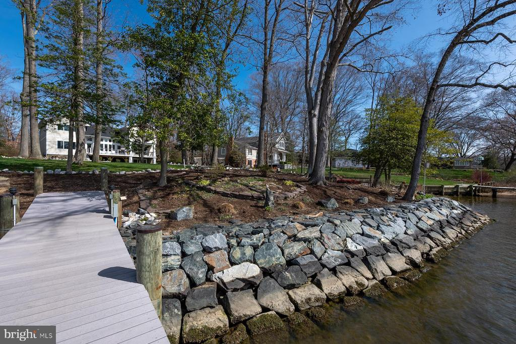 New revetment to protect the shorline - 1696 BEECH LN, ANNAPOLIS