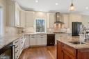 Enjoy cooking with the top-of-the-line appliances - 1696 BEECH LN, ANNAPOLIS