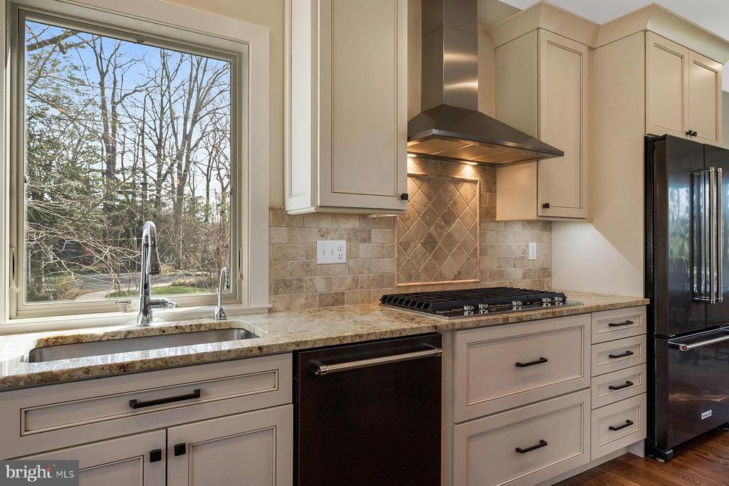 Natural light and views - 1696 BEECH LN, ANNAPOLIS