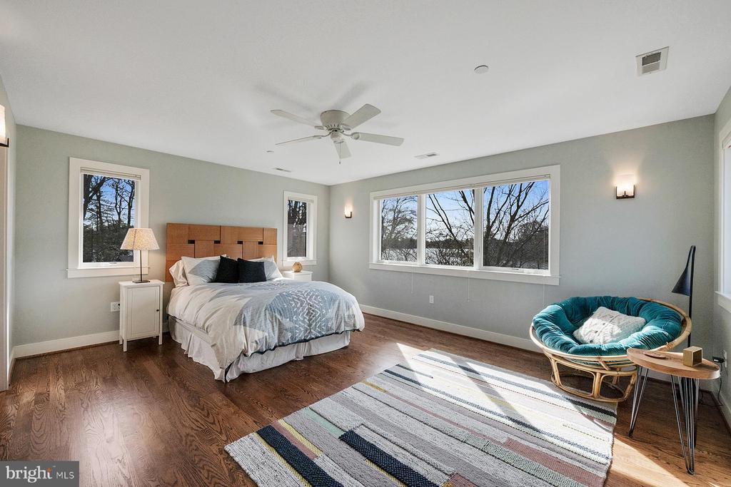 Upper level master bedroom has beautiful waterview - 1696 BEECH LN, ANNAPOLIS