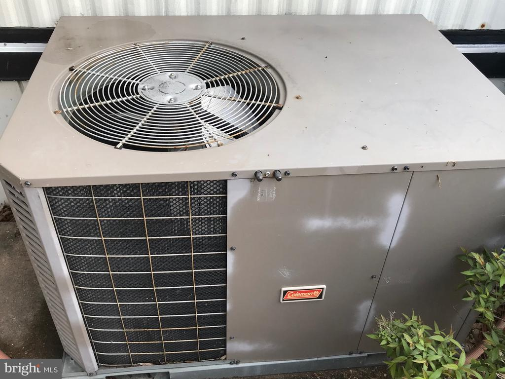 Central Air Conditioning compressor - 3417 DAHLIA LN, MIDDLE RIVER