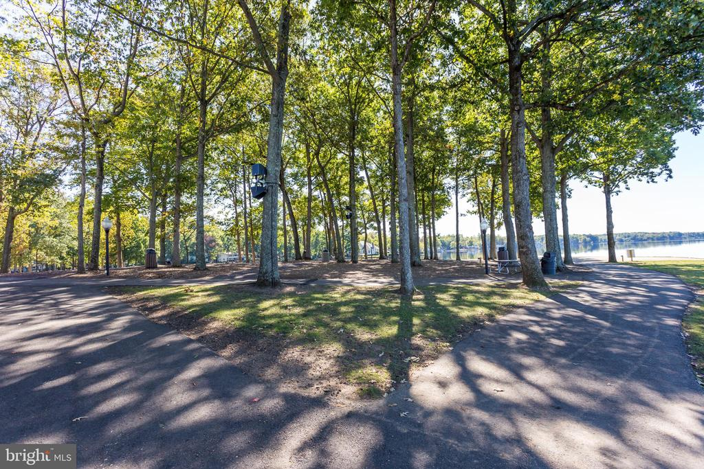 Clubhouse point for outdoor Enjoyment!!! - 403 CONSTITUTION BLVD, LOCUST GROVE