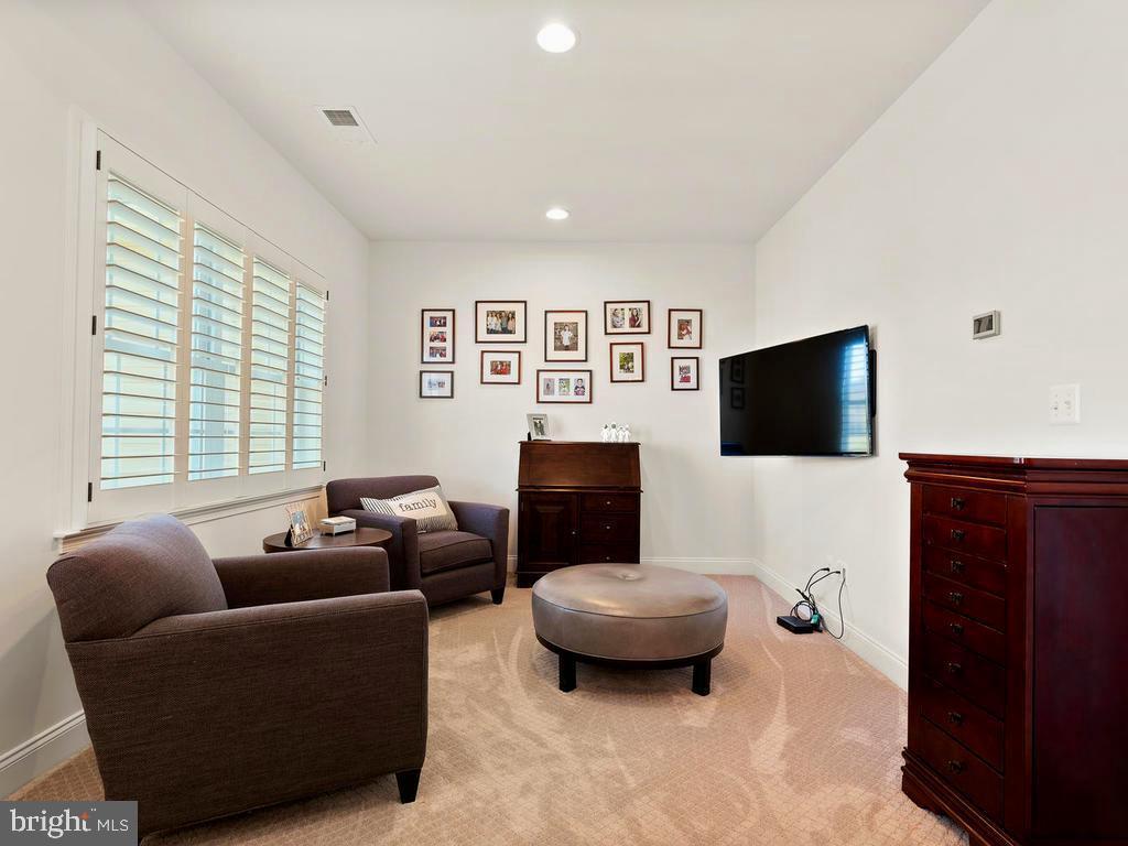 Separate Master Sitting area - 41488 DEER POINT CT, ALDIE