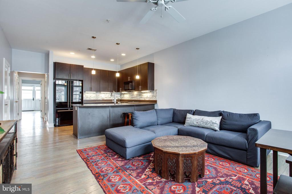 Oversized Living/Dining /Kitchen in 852 Sq Ft - 1515 11TH ST NW #1-2, WASHINGTON