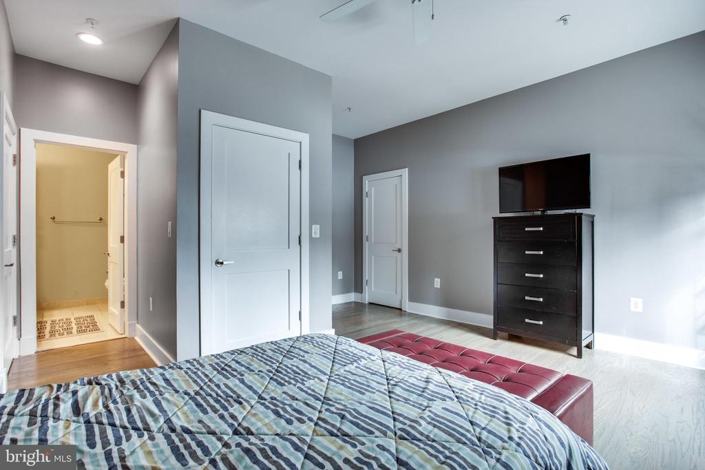 Ample Space in Bedroom - 1515 11TH ST NW #1-2, WASHINGTON
