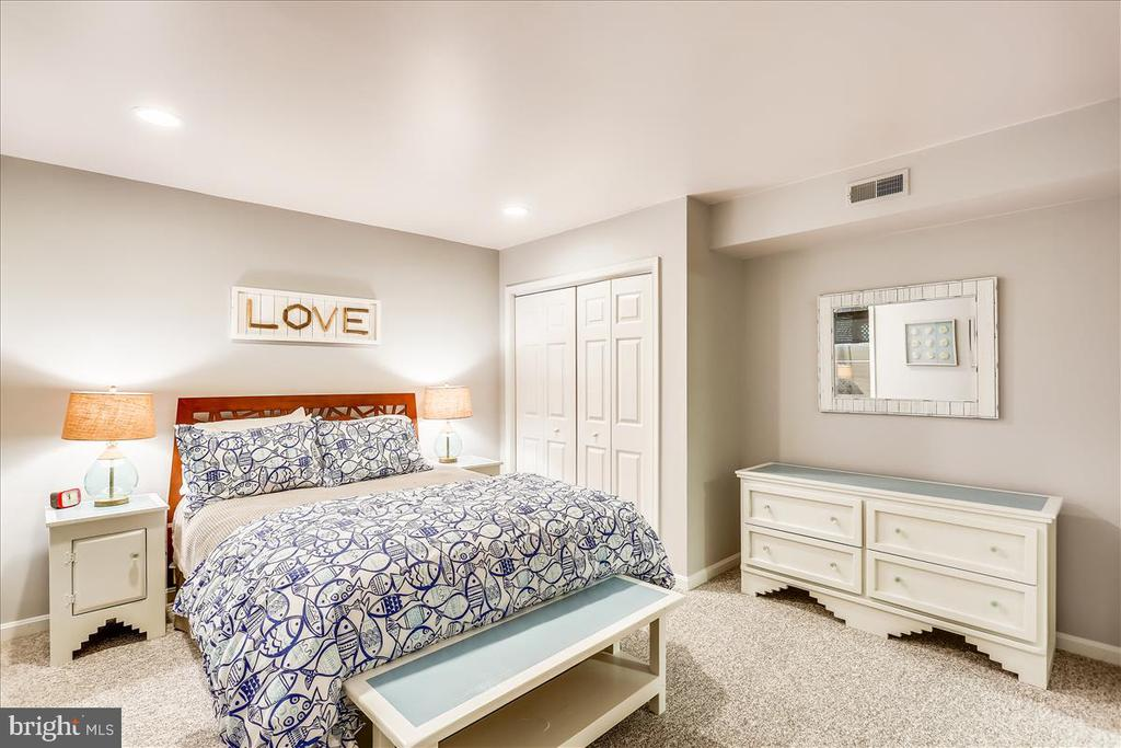 Lower Level Bedroom - 6308 MOUNTAIN BRANCH CT, BETHESDA