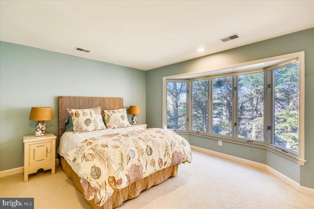 Bedroom #4 - 6308 MOUNTAIN BRANCH CT, BETHESDA