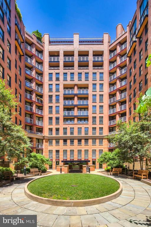 Courtyard are lower level - 631 D ST NW #726, WASHINGTON
