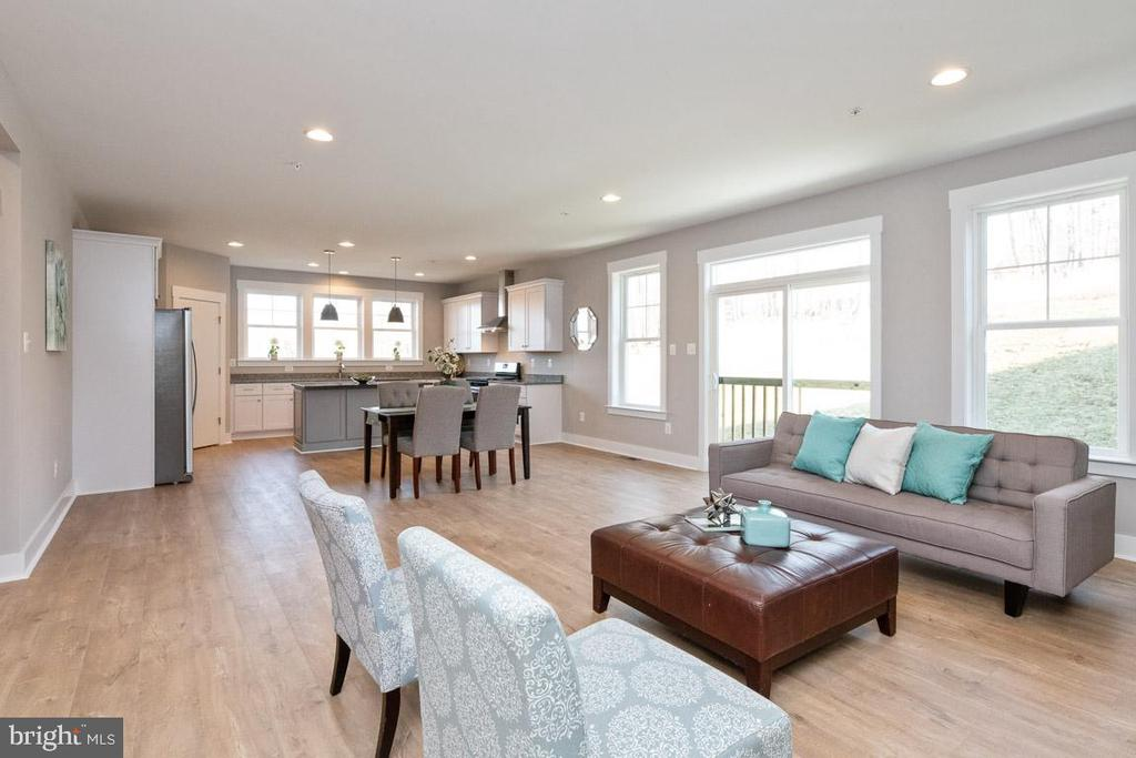 Open floor plan - easy to entertain. - 7142 MASTERS RD, NEW MARKET