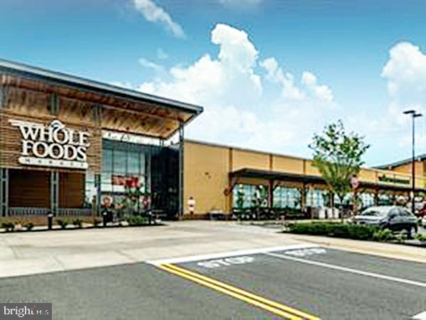 Nearby Grocery Outlets - 20137 BLACKWOLF RUN PL, ASHBURN
