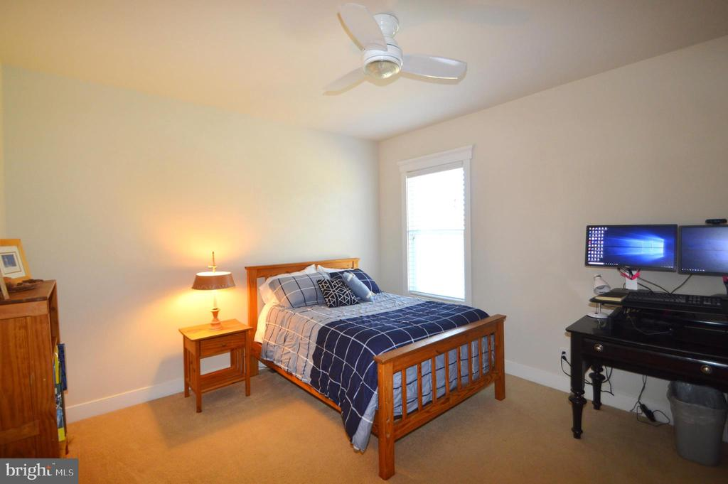 Bedroom 4 - 41121 ROCKY BOULDER CT, ALDIE