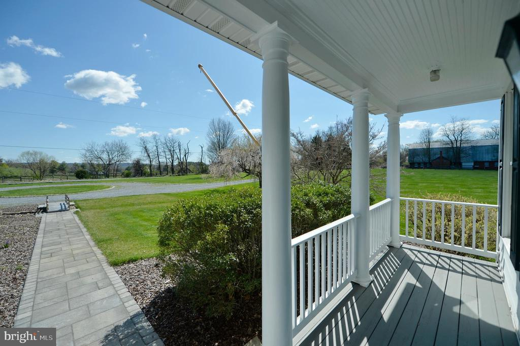 Front porch with beautiful views - 19771 GREGGSVILLE RD, PURCELLVILLE