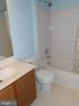 Full Bath Upper Level - Ceramic Tile Tub Surround - 8866 MOAT CROSSING PL, BRISTOW