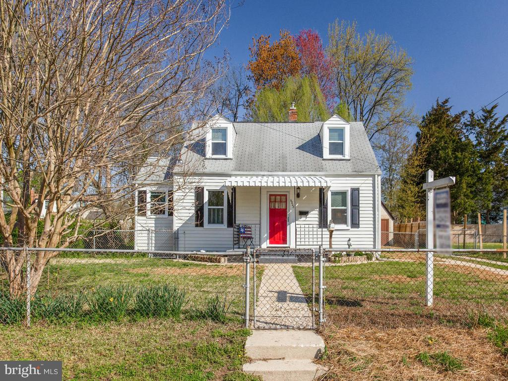 Large Yard, finished upstairs and mostly remodeled - 6808 PICKETT DR, MORNINGSIDE