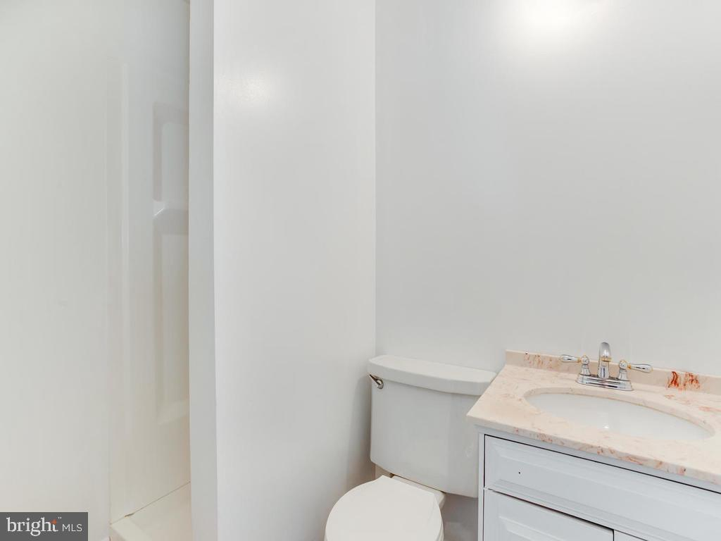 New Bath in New Shower and New New New - 6808 PICKETT DR, MORNINGSIDE