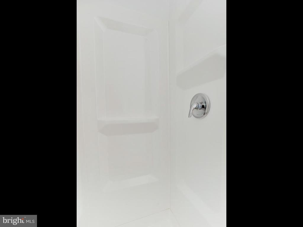 Shower and ready! - 6808 PICKETT DR, MORNINGSIDE