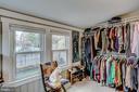 Huge walk in closet! - 900 N FREDERICK ST, ARLINGTON