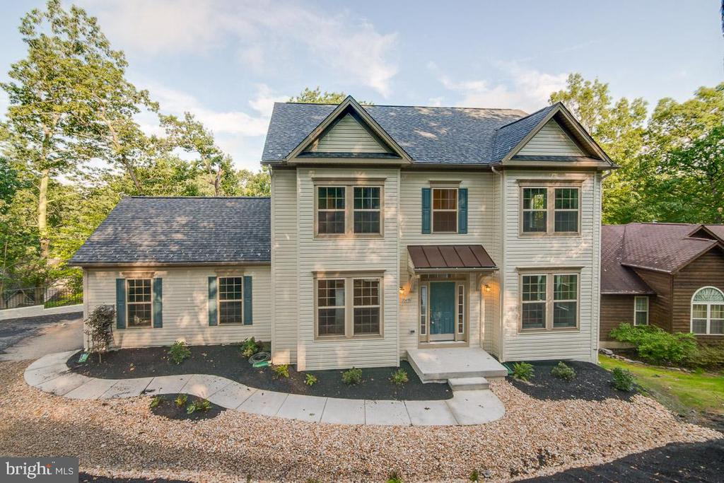 Absolutely stunning home. - 344 SADDLE RD, NEW MARKET