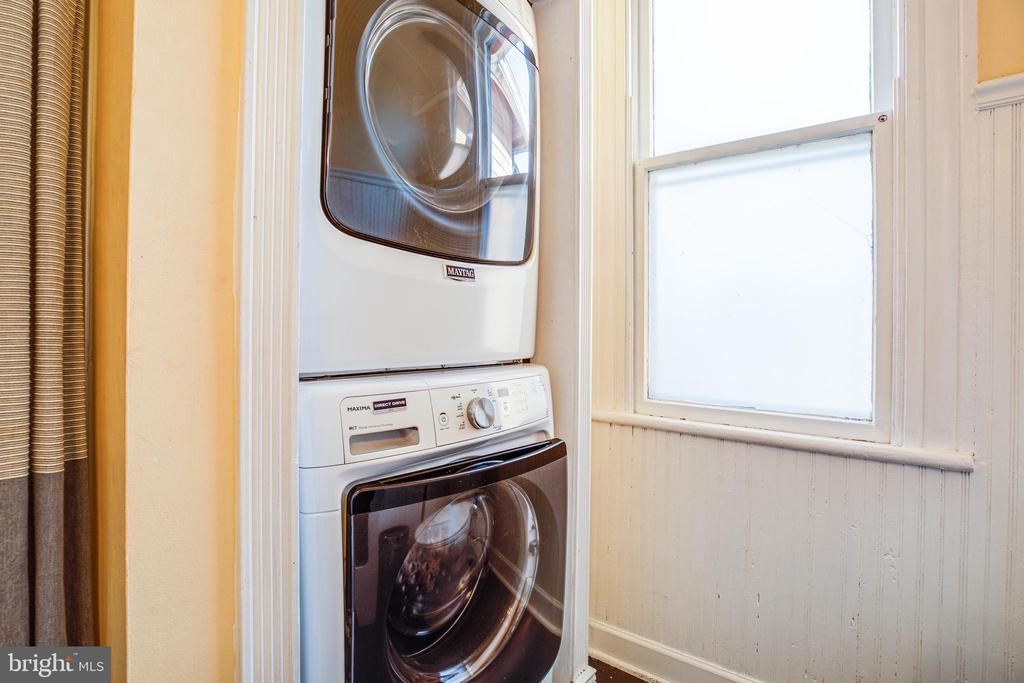 Laundry on the upper floor - 1112 CHARLES ST, FREDERICKSBURG