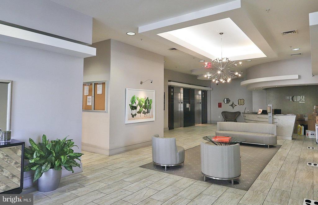 Main Lobby - 3650 S GLEBE RD #651, ARLINGTON