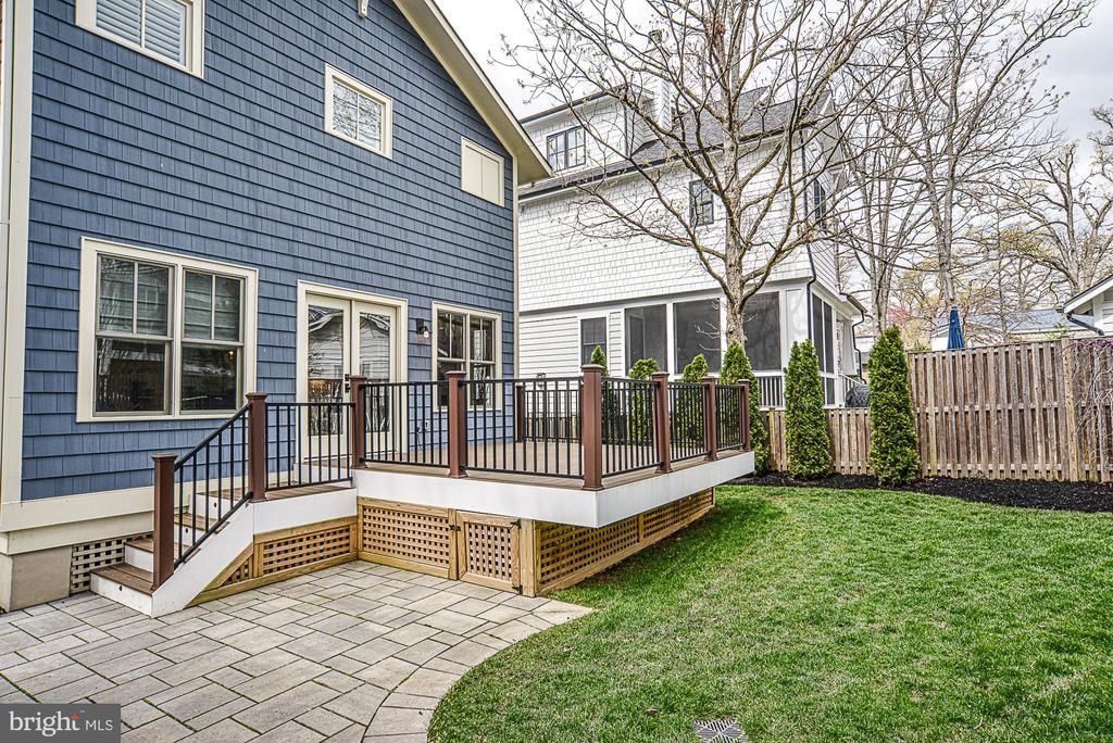 Fenced backyard - 231 N EDGEWOOD ST, ARLINGTON