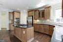 Ample cabinet space - 43965 RIVERPOINT DR, LEESBURG