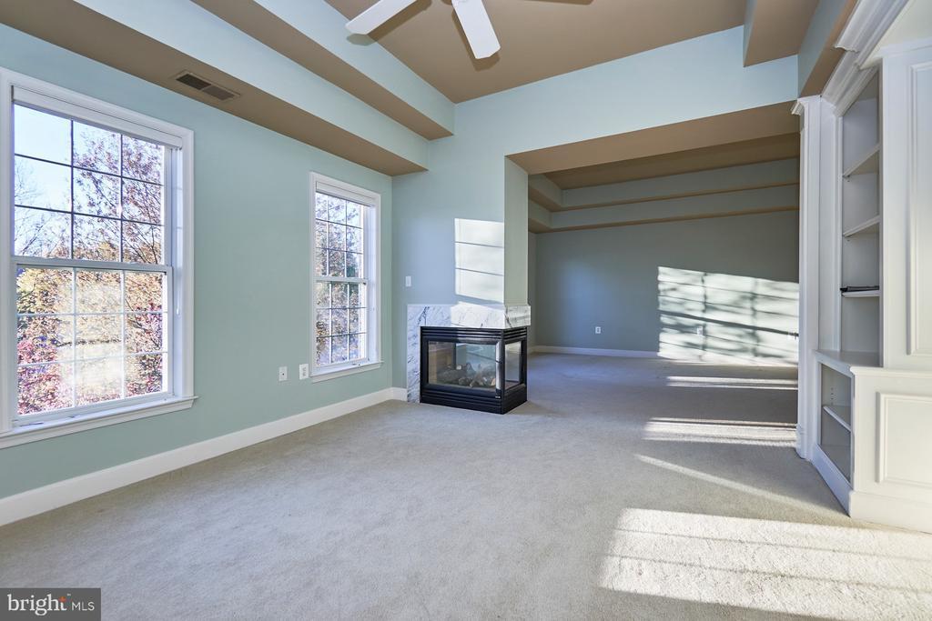 Master Bedroom Sitting Room - 18441 LANIER ISLAND SQ, LEESBURG
