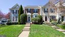 Brick front with beautiful bay window - 191 CONNERY TER SW, LEESBURG