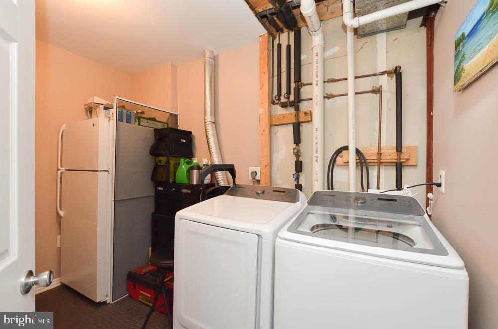 Utility/ laundry room with additional refrigerator - 191 CONNERY TER SW, LEESBURG