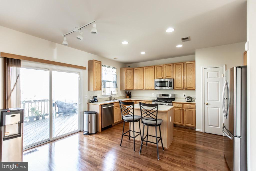 Sliding Glass Door to Deck off Kitchen! - 9648 SAYBROOKE DR, BRISTOW
