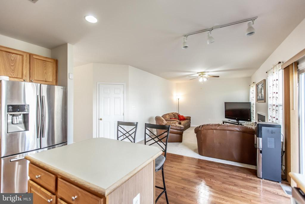 Family Room off Kitchen! - 9648 SAYBROOKE DR, BRISTOW