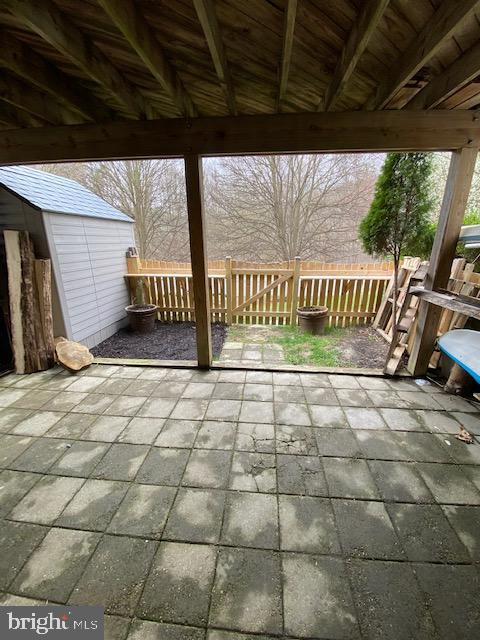 Patio outside lower level -Fenced in!! - 6650 HARBOR LIGHT WAY, NEW MARKET