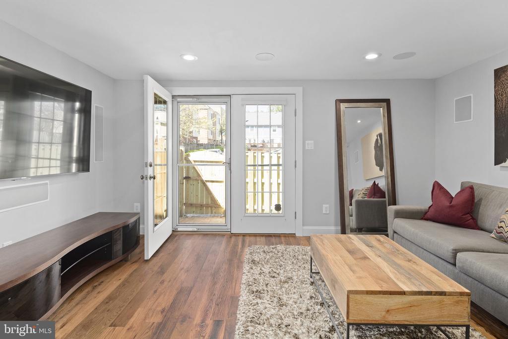 Spacious living room - 1130 N UTAH ST, ARLINGTON