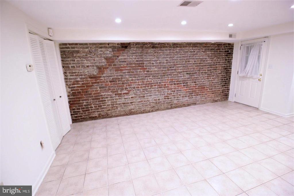 Exposed Brick in Livingroom - 131 R ST NE, WASHINGTON