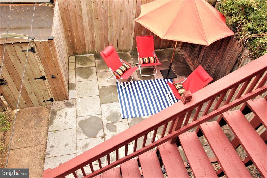 New Patio w/Privacy Fence - 131 R ST NE, WASHINGTON