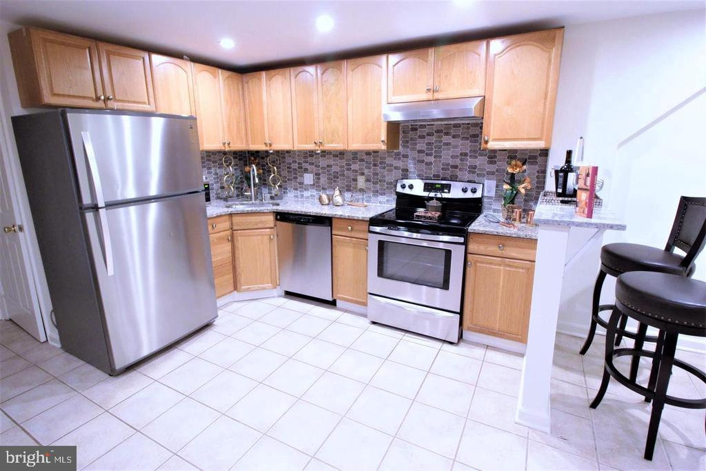 Lovely Kitchen - 131 R ST NE, WASHINGTON