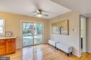 Open area to eat or hang out - 7163 MASTERS RD, NEW MARKET