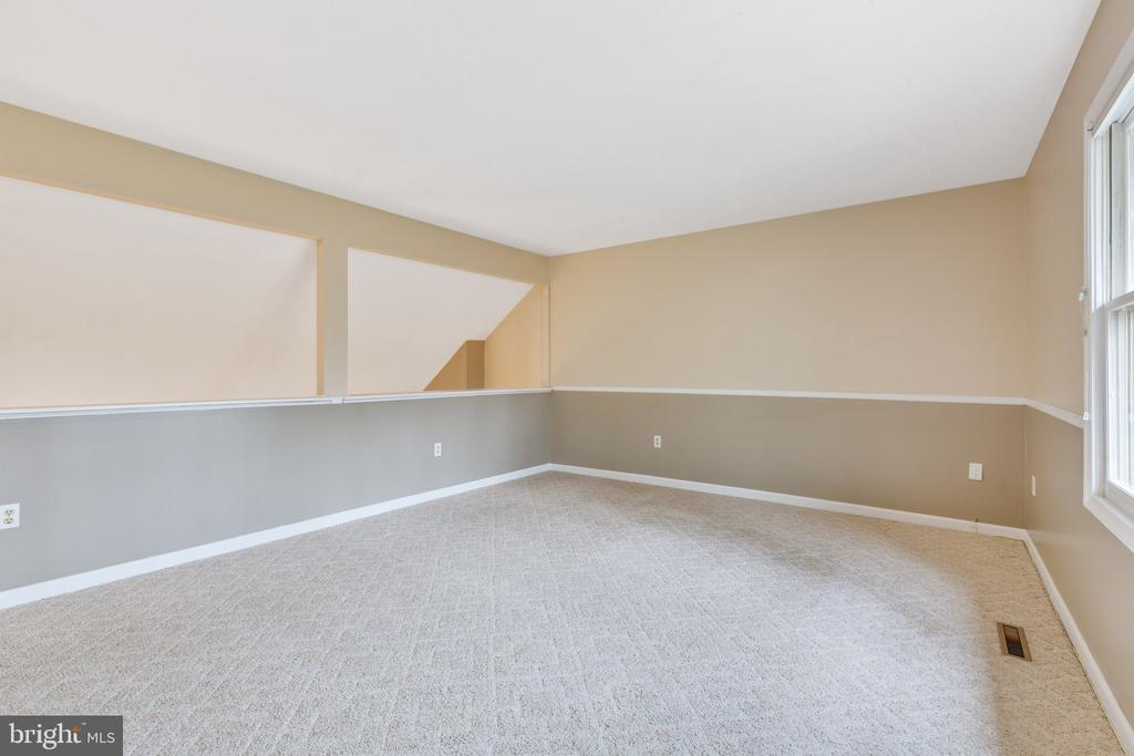 Get creative-lots of options with this space - 7163 MASTERS RD, NEW MARKET