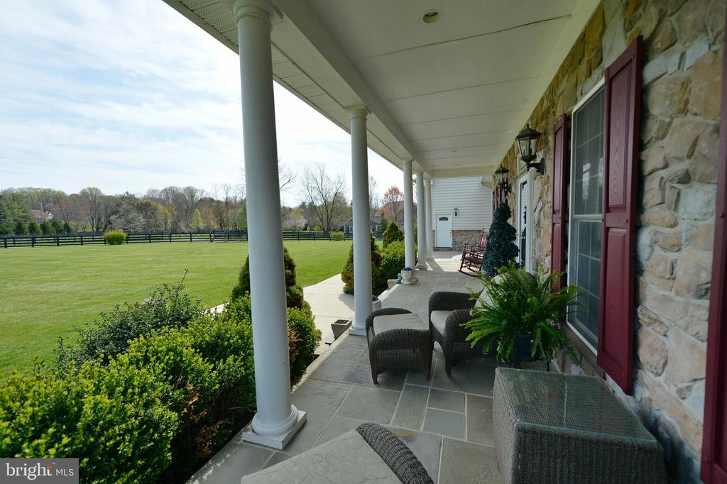 Front porch view two - 40319 CHARLES TOWN PIKE, HAMILTON
