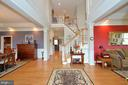 Elegant two story hardwood entry foyer - 40319 CHARLES TOWN PIKE, HAMILTON